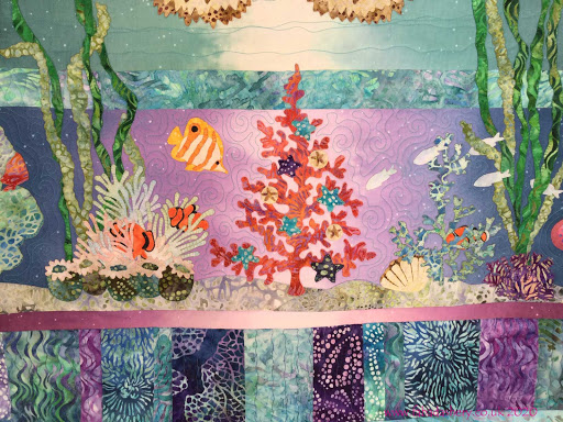'Tropical Noel' quilt designed by Mckenna Ryan,  made by Holly, quilted by Frances Meredith