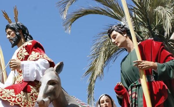 Los hogares de Almería, carrera oficial de la Semana Santa