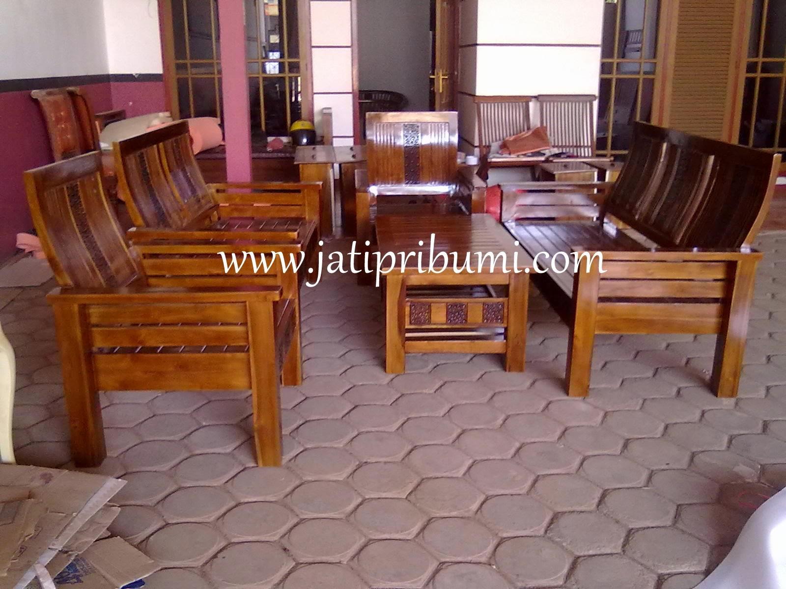 Desain Ruang Tamu Dgn Kursi Kayu Sobat Interior Rumah