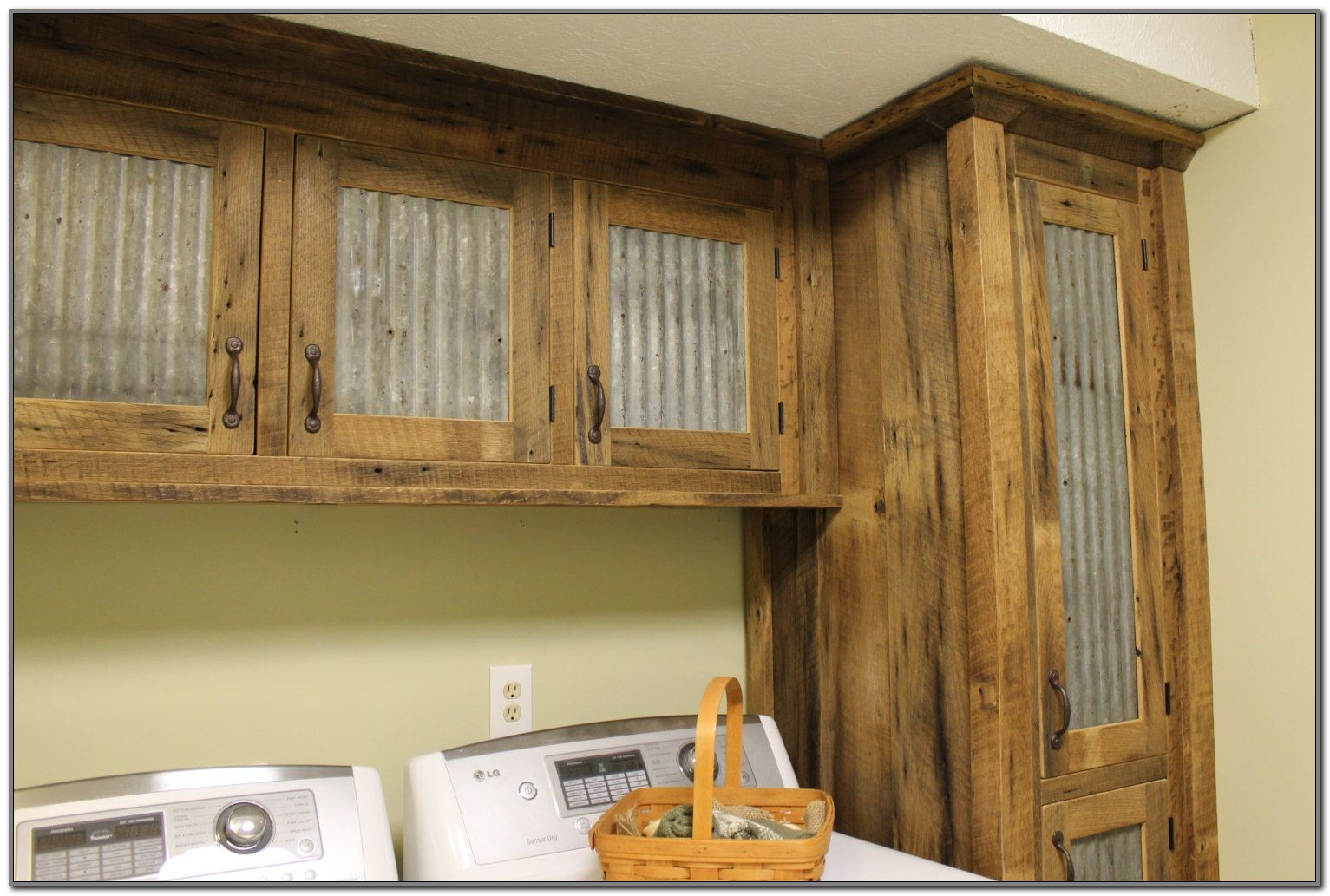 Barn Wood Style Kitchen Cabinets Kitchen Appliances And Decorating Ideas