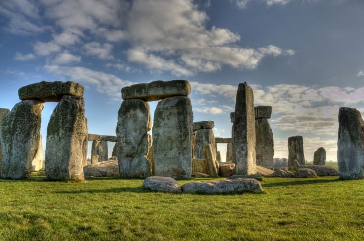 5. Stonehenge, Wiltshire, England - Top 10 Enigmatic Places