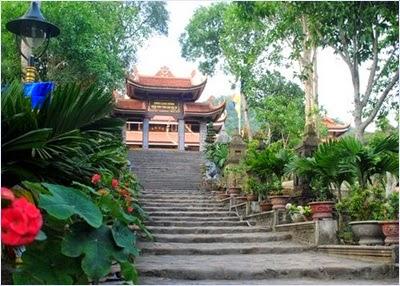 วัดตั๊กลัม (Truc Lam Temple)
