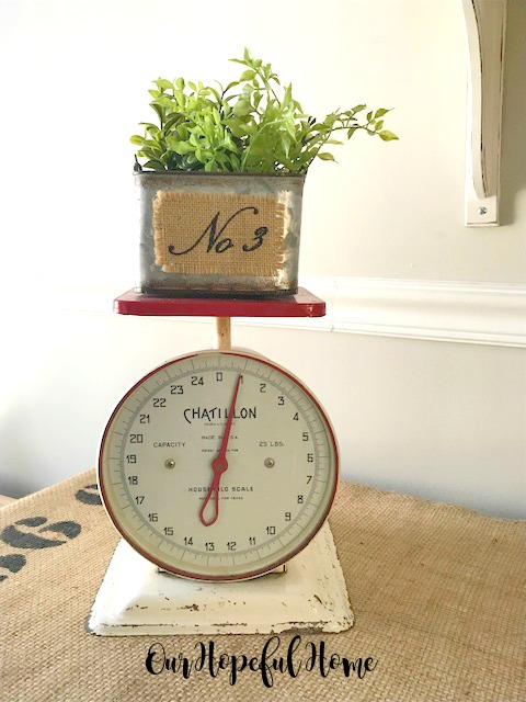 vintage Chatillon scale red white 25 pound No. 3 burlap tin box greens