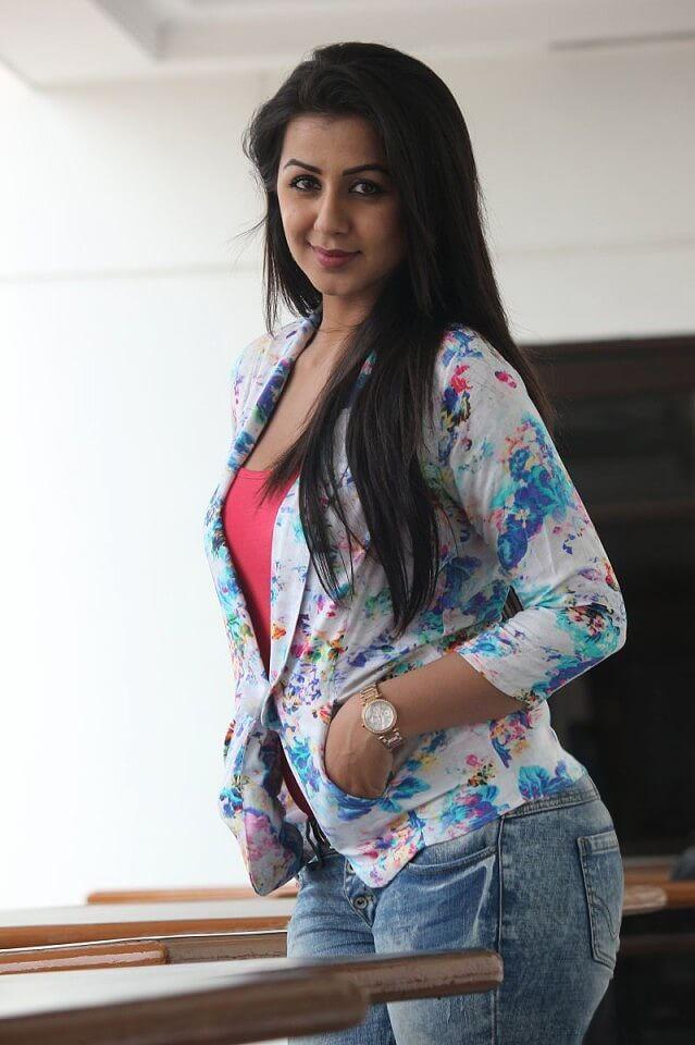 Kollywood actress Nikki Galrani photo gallery images pics