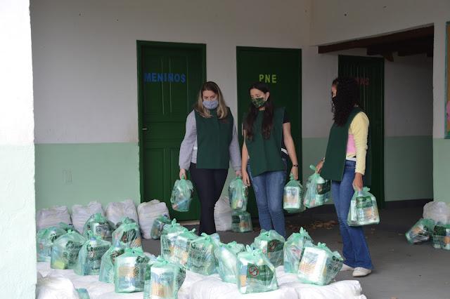 Distribuição de cestas básicas às famílias em vulnerabilidade social no Vale do Carangola