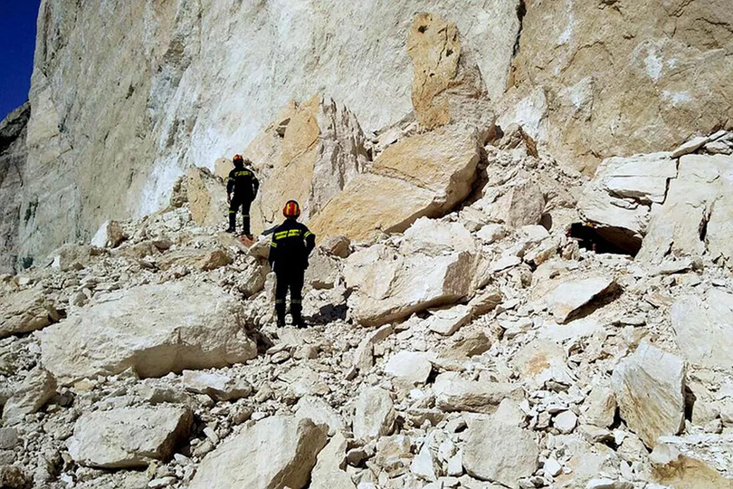 Κατάρρευση Βράχου στην Παραλία Ναυάγιο στη Ζάκυνθο - 4