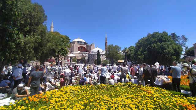 Dahsyat! Kebangkitan Islam Turki, Shalat Jumat Pertama di Hagia Sophia Jama'ah Membludak