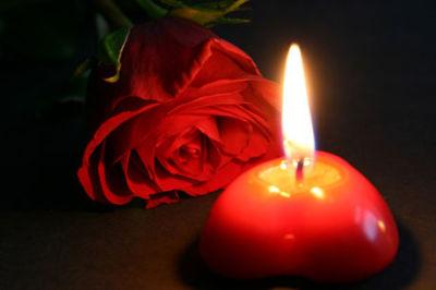 Kerze Für Verstorbene Anzünden
