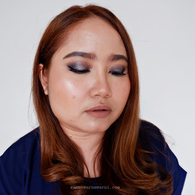 review Esqa x Paola Midnight Affair Eyeshadow Palette