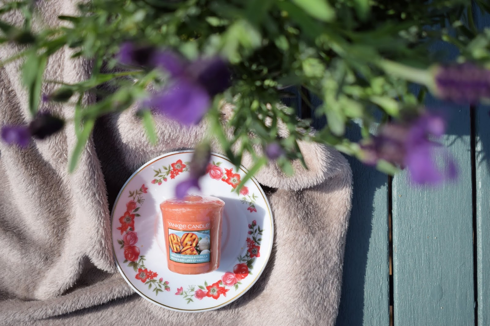 Yankee Candle Grilled peach and vanilla candle review