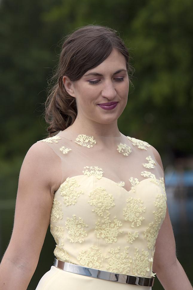 traumhaftes Sommerkleid in zitronengelb mit Spitze