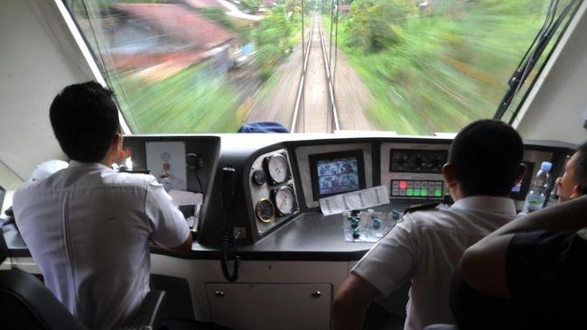 Mengenal profesi masinis kereta api