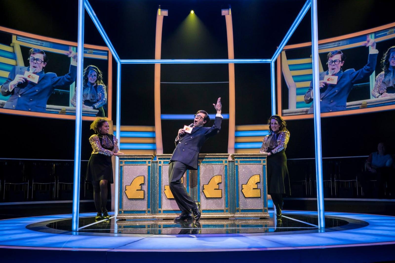 REVIEW: Quiz at the Noël Coward Theatre   Pocket Size Theatre