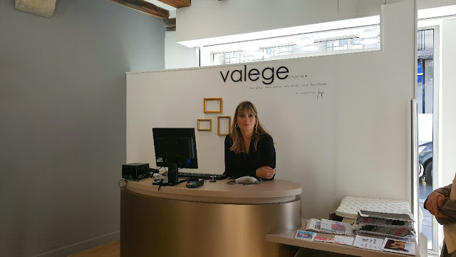 sandrine-vendeuse-valege-boutique-de-tours