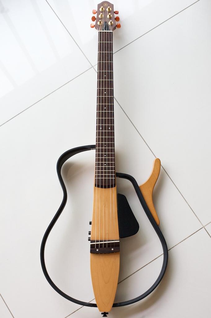 sold guitar 10 yamaha slg100s silent guitar guitar. Black Bedroom Furniture Sets. Home Design Ideas