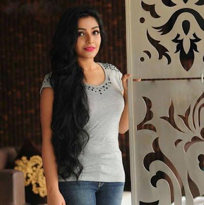 Rejisha Vijayan latest pics