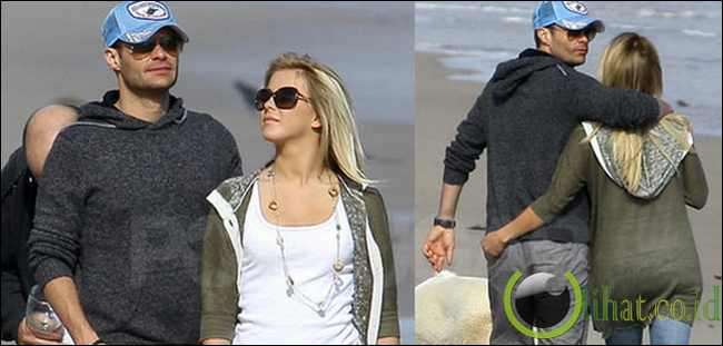 Ryan Seacrest dan Julianne Hough