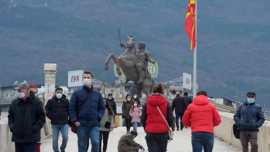 """Πρώην ΥΠΕΞ των Σκοπίων """"κρεμάει"""" τους ψευτο-μακεδόνες"""