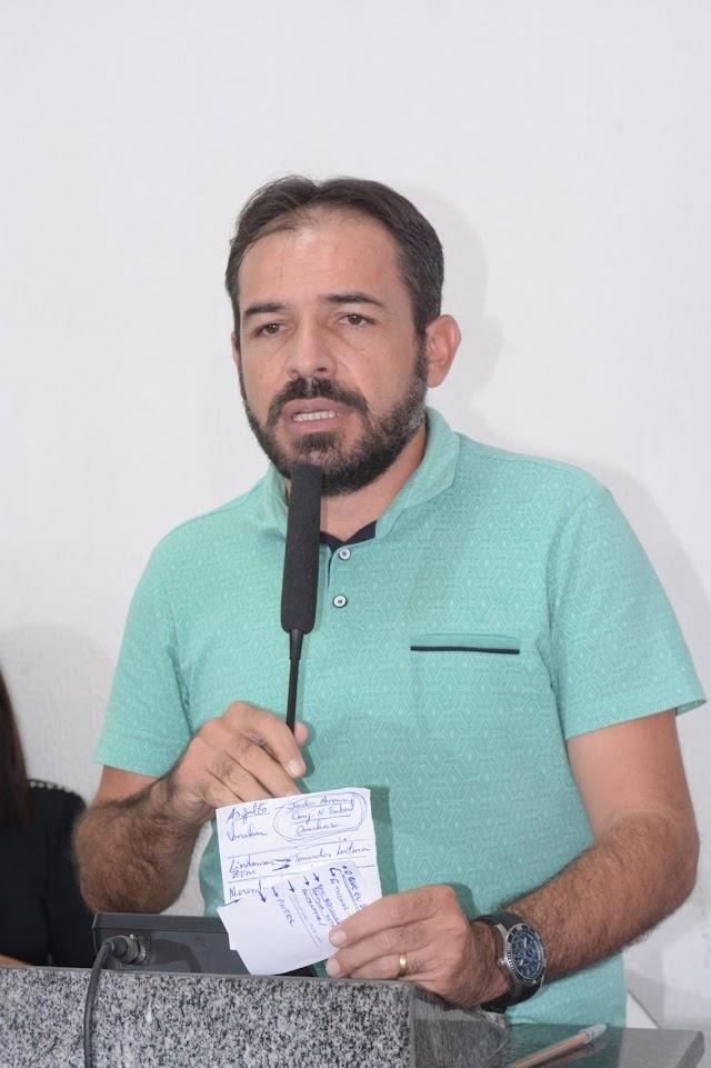 Vereador de Tamboril afirma ter provas que colega propôs rachadinha