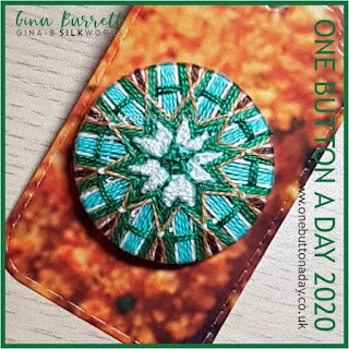One Button a Day 2020 by Gina Barrett - Day 121 : Stitchwort