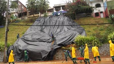 Mais de 450 pessoas ficam desabrigadas após forte chuva em Salvador