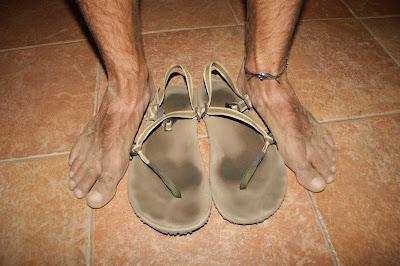 cogiendo pies