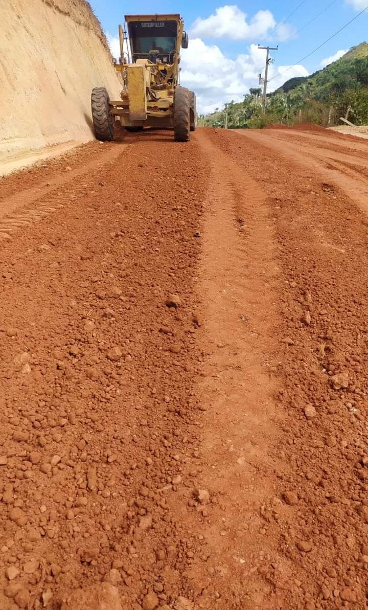 Prefeito Lindomar Araújo investe em estradas rurais de Marajá do Sena