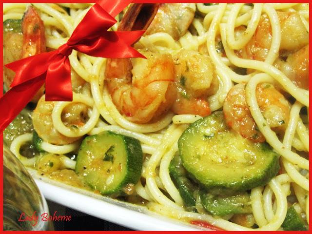 hiperica di lady boheme blog di cucina, ricette facili e veloci. Ricetta spaghetti con gamberi e zucchine