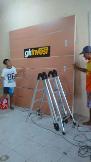 Backdrop Dinding Kantor Knock Down Mudah Pasang Sendiri - Furniture Semarang