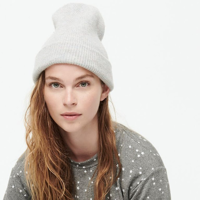 Ribbed beanie in supersoft yarn for women