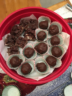 Date Nut Balls (Christmas cookies) shared for the 12 Delights of Christmas tag