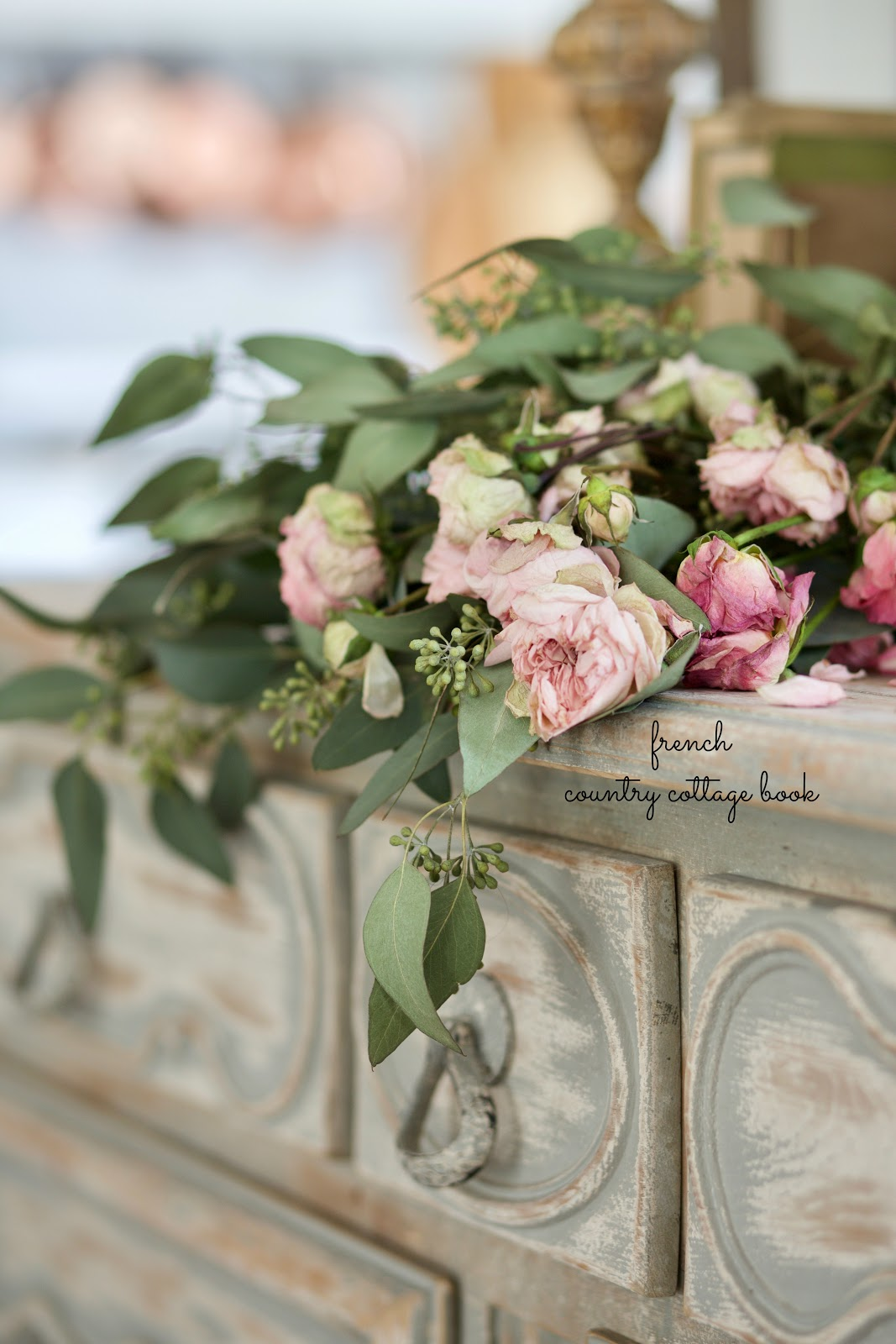 7 ways to use dried flowers in your decor