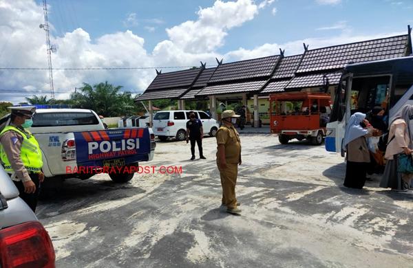 Satlantas Polres Pulpis Kawal Kepulangan Santriwati Al Hijrah