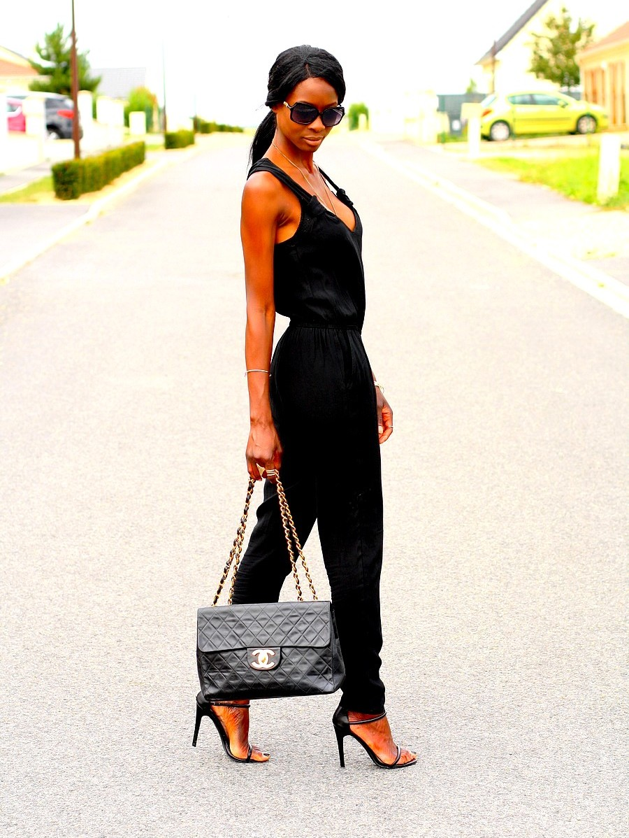summer-chic-outfit-jumpsuit-chanel-bag