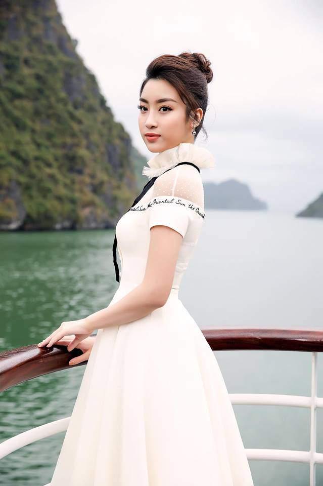 Hoa hậu Đỗ Mỹ Linh 'mách nước' chị em cách tắm sữa tươi để da trắng hồng mơn mởn -5