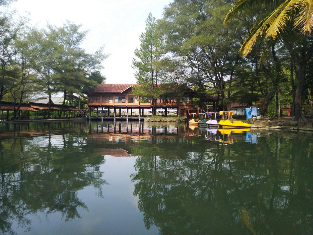 Piknik di Ekowisata Taman Air Tlatar Boyolali - Pejalan Santai