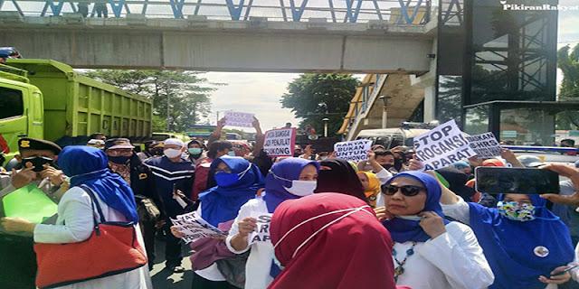 Polisi: Simpatisan HRS Yang Datang Ke PN Jaktim Akan Kami Swab Test!