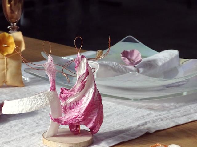 Cake topper, ballerini in carta crespa. Fiori di carta per Matrimonio sostenibile
