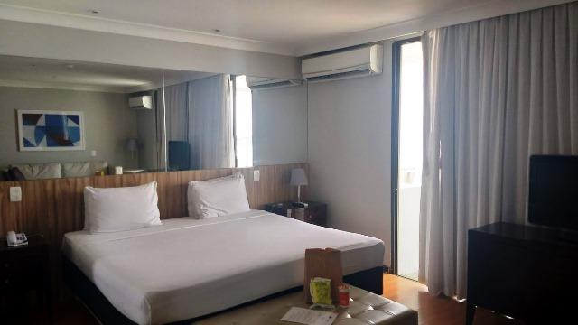 Quarto na suíte oceânica no Hotel Pestana Rio Atlântica