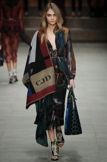 poncho manta de Burberry