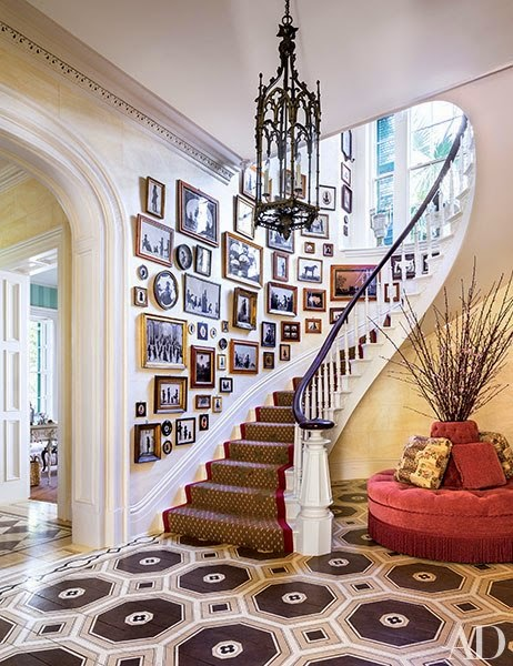 item3.rendition.slideshowvertical.patricia altschul charleston home 04 stair hall