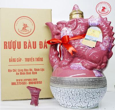 Rượu Bàu Đá Bình Định bình sư tử màu đỏ làm quà biếu sếp người thân tết mậu tuất 2018
