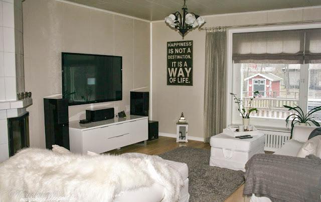 ektorp olohuone sisustus harmaa valkoinen