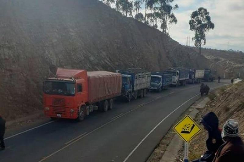 Punto de bloqueo en Tarabuco / LIBERTAD NOTICIAS