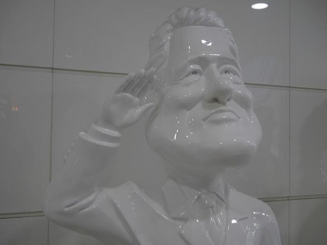 statue of Bill Clinton in Dalian, China