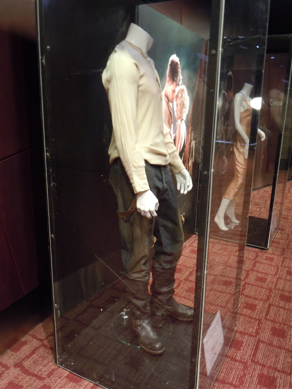 Water for Elephants Robert Pattinson costume