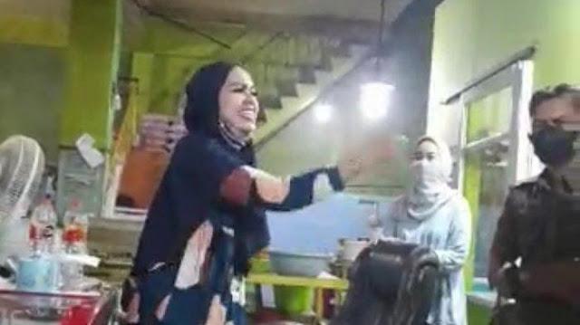 Istri Polisi Melawan Petugas Satgas Raika Saat Penertiban PPKM Mikro di Makassar