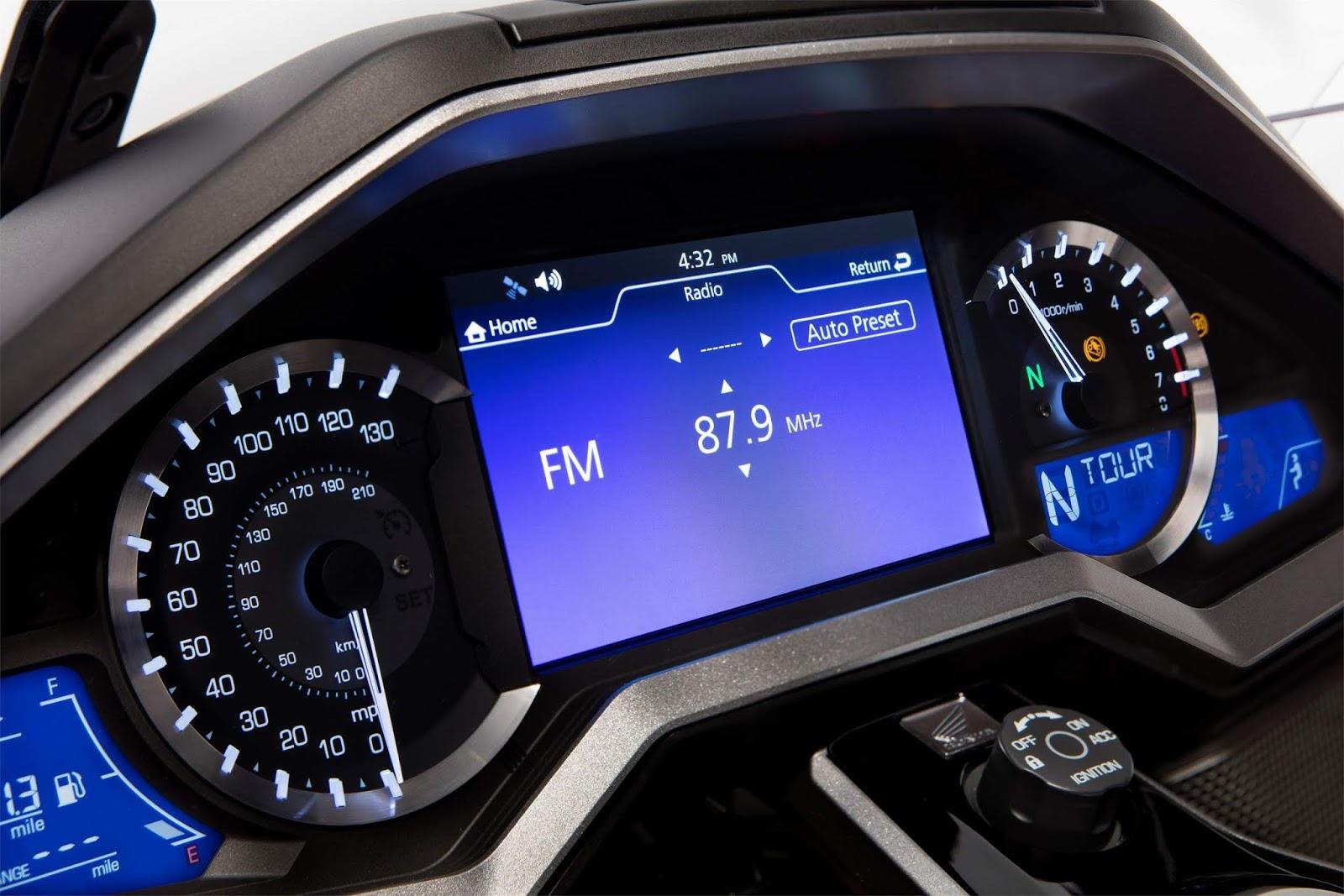 Honda Gold Wing 2021 ganha integração com Android Auto ...
