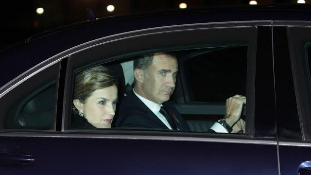 Felipe y Letizia estrenan su nuevo mercedes de 550.000 euros tras visitar la barriada más pobre de España