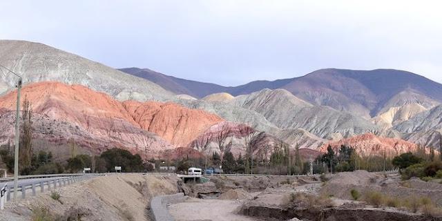 Cerro de los Siete Colores - Argentina